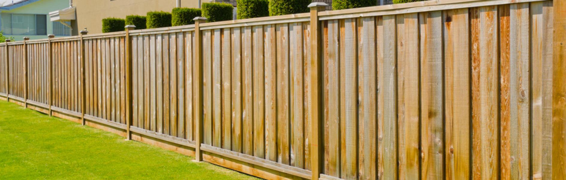 How to build a fence or garden screen